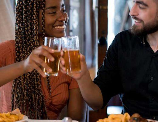 9 dicas valiosas para o primeiro encontro do Tinder